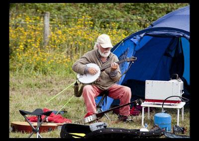 banjo_tent